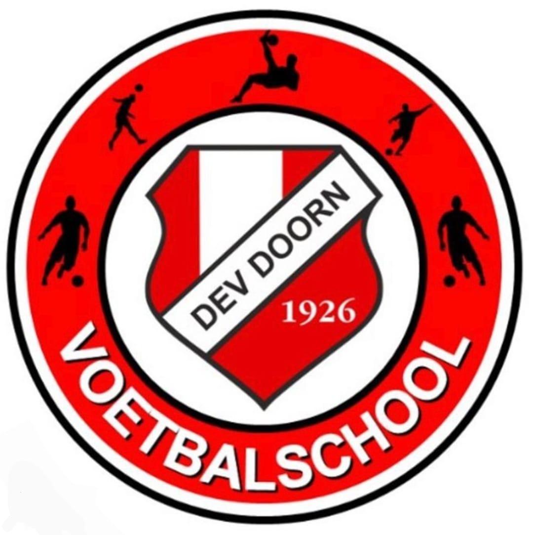 &quote;Wil jij je techniek verbeteren door extra training? Geef je dan op voor de voetbal school van DEV Doorn.&quote;